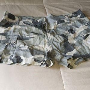 L.e.i. shorts